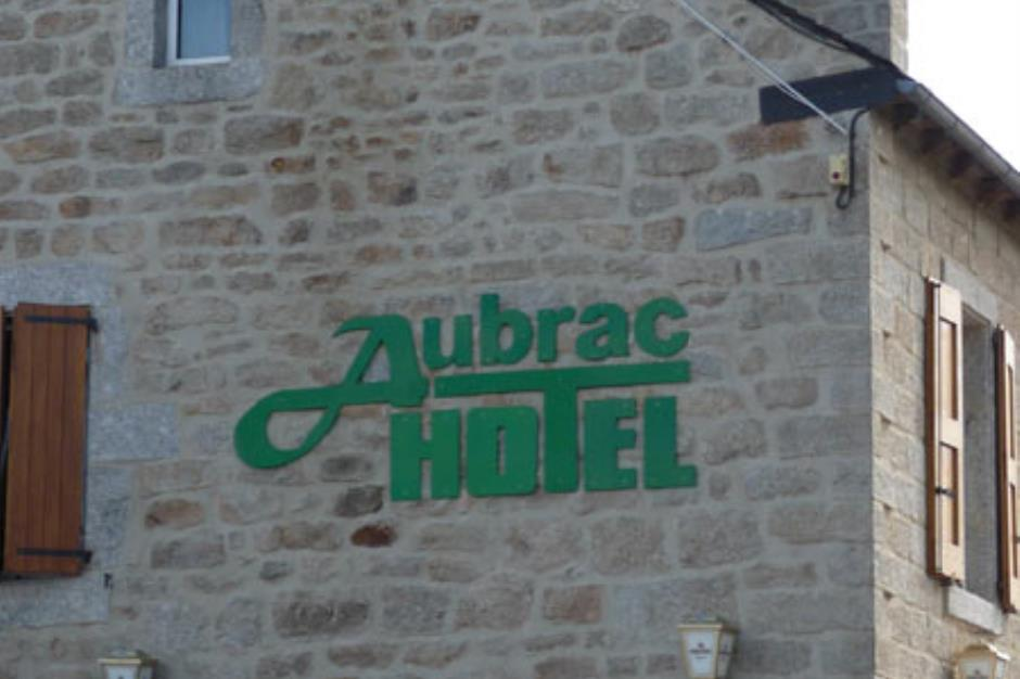 HOT001P001 Aubrac hotel
