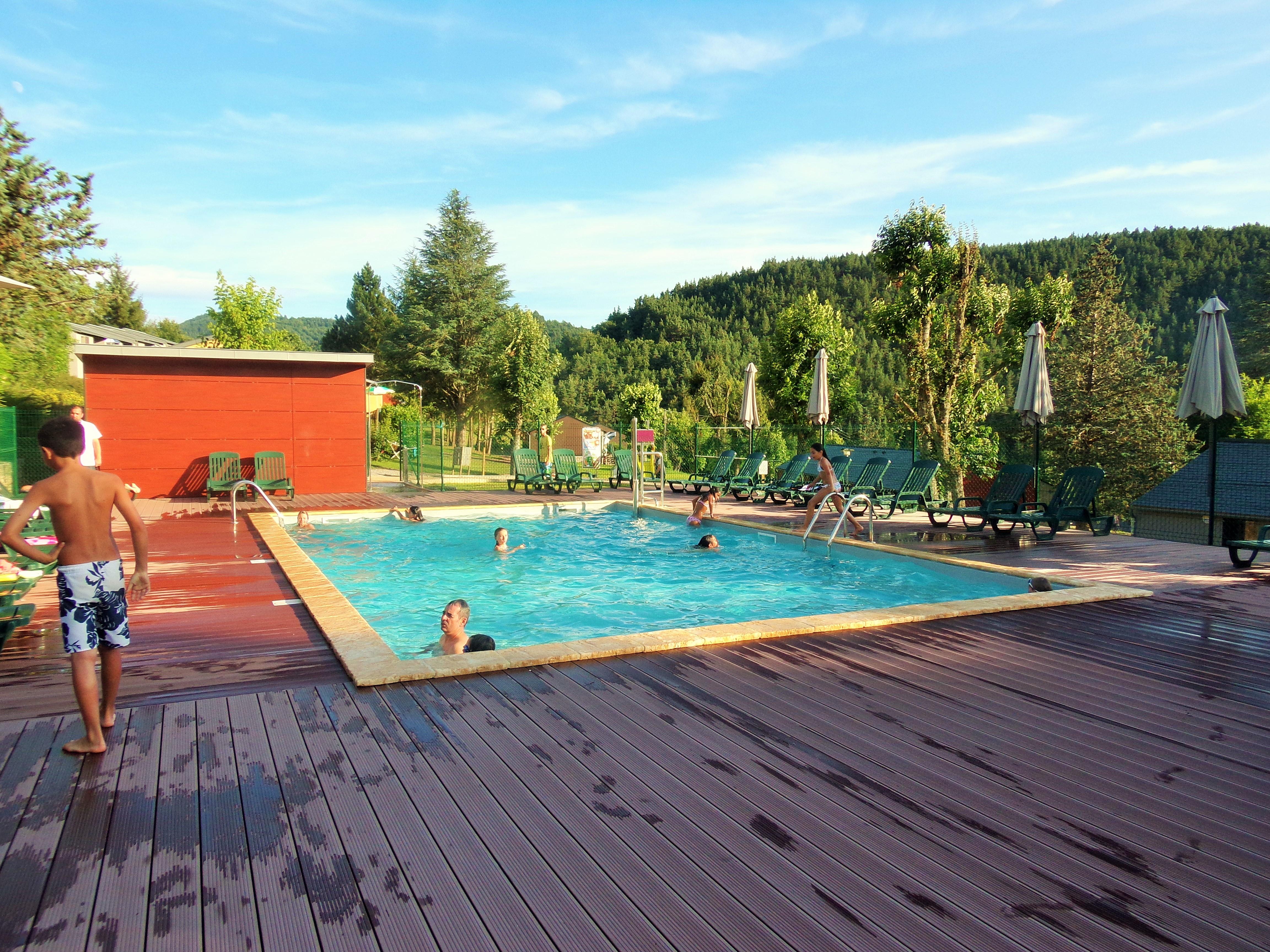 Domaine aigoual cevennes meyrueis c vennes gorges du for Camping gorges du tarn piscine