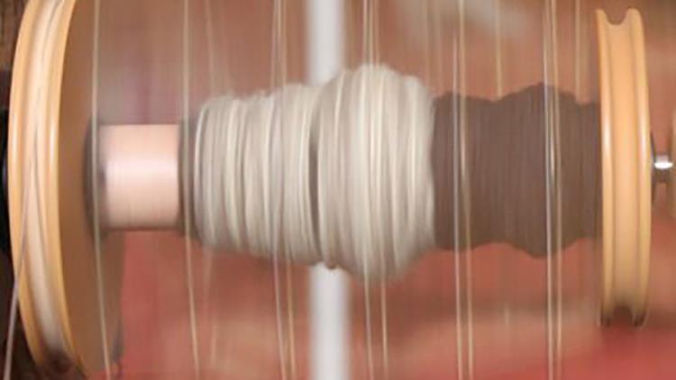 FMA-laine-rouet