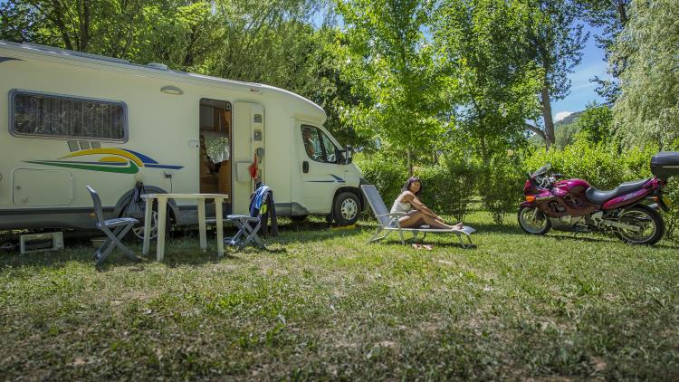 Camping les 2 Vallées - emplacements camping-car