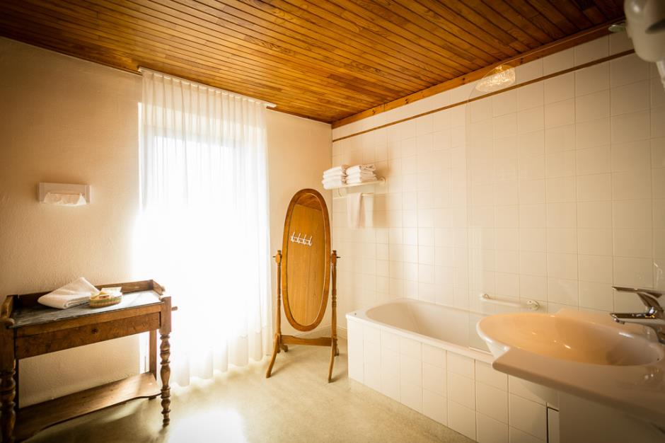 Hotel de la poste-Chateauneuf de Randon_3