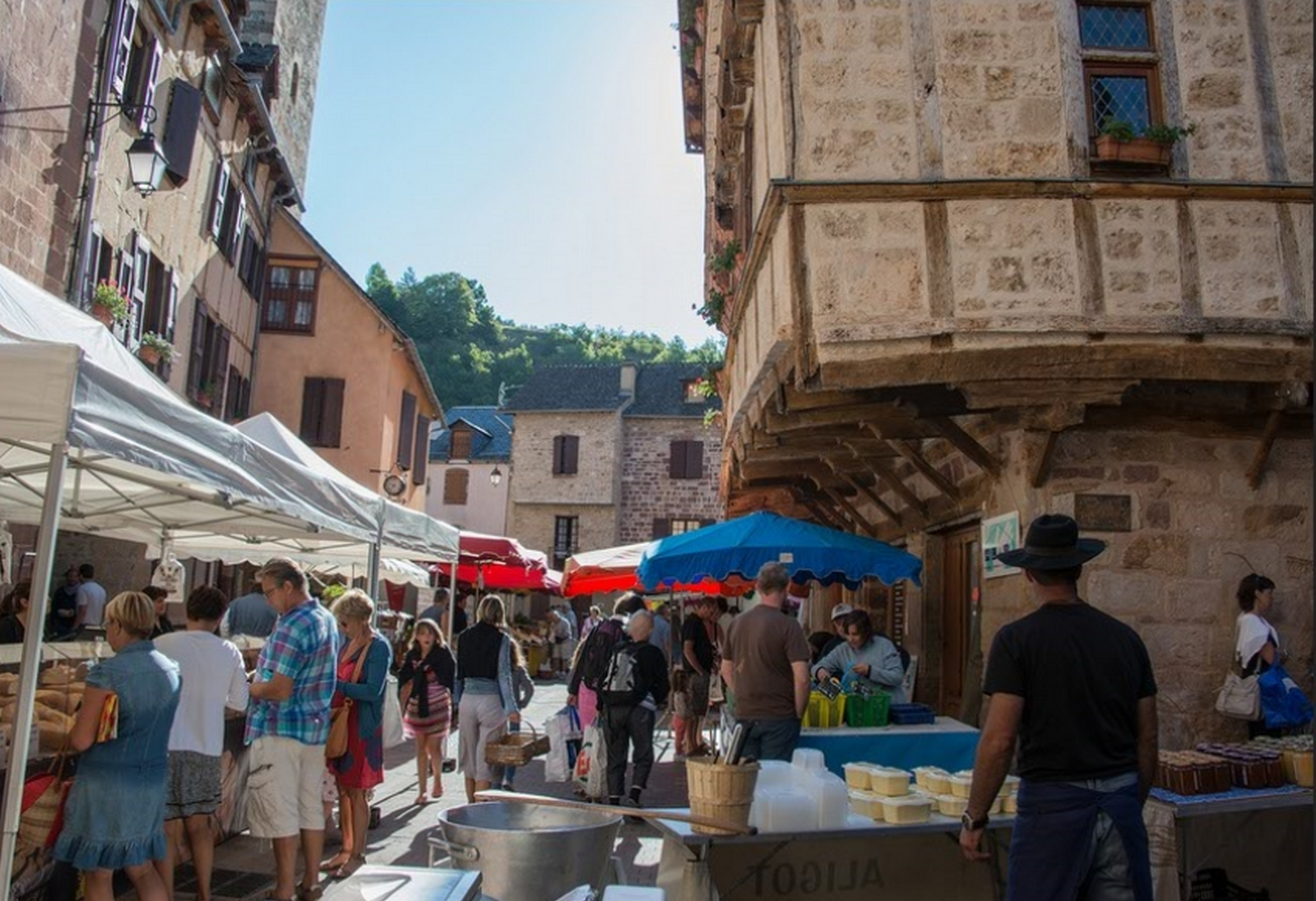 Marche de pays la canourgue loz re tourisme for Bouygues salon de provence
