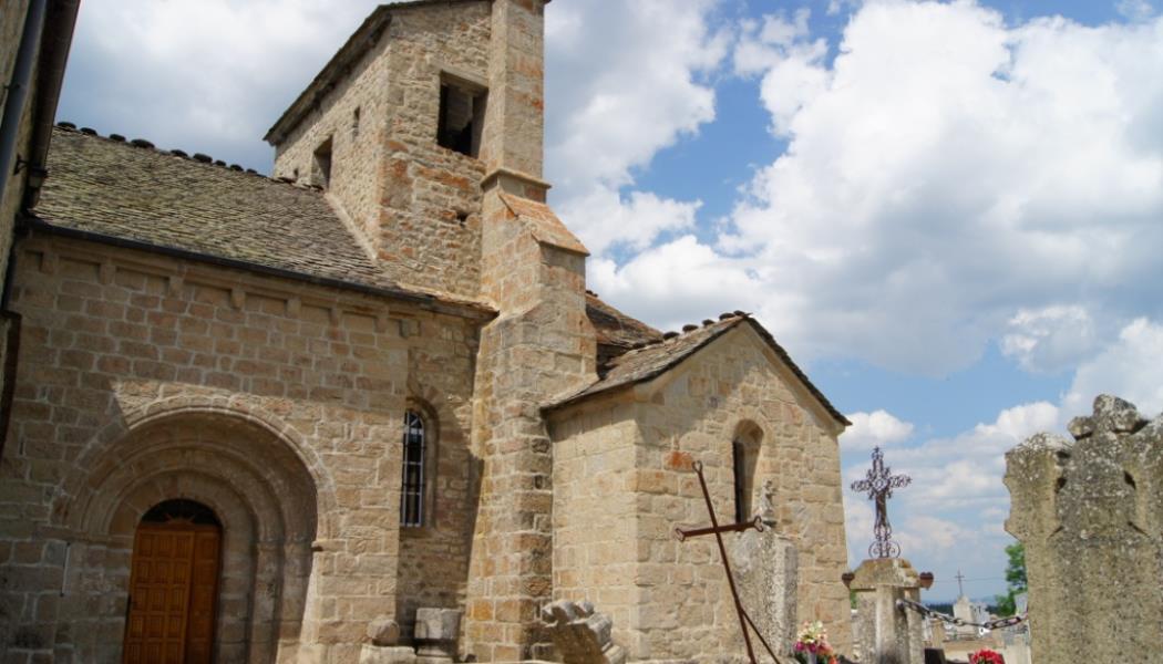 OT Châteauneuf - Eglise St Jean la Fouilloise