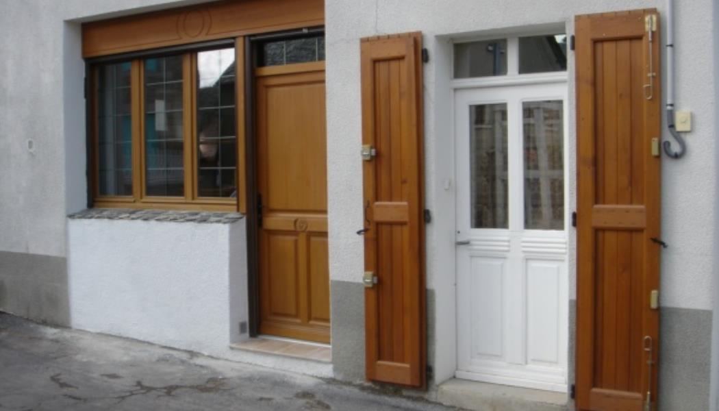 meublé chauvet devant de porte
